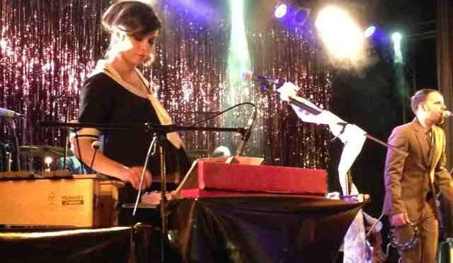 Interessanter Abend mit Nora Tschirner und ihrer Band PRAG im Rosenhof